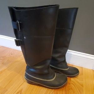 Sorel leather and rubber boots - Women size 9.5